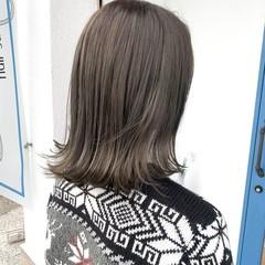 リアルサロン カーキ セミロング マットグレージュ ヘアスタイルや髪型の写真・画像
