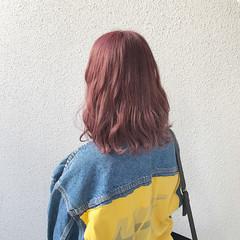 ミディアム ハイトーン 外国人風 フェミニン ヘアスタイルや髪型の写真・画像