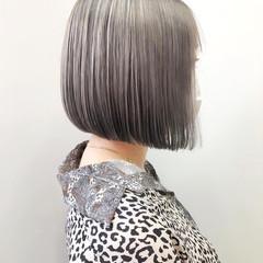 グレージュ ブリーチ ボブ シルバーグレージュ ヘアスタイルや髪型の写真・画像