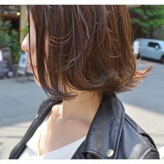 外ハネ ボブ ナチュラル ハイライト ヘアスタイルや髪型の写真・画像