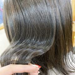 艶髪 ミルクティーグレージュ 透明感カラー 髪質改善 ヘアスタイルや髪型の写真・画像