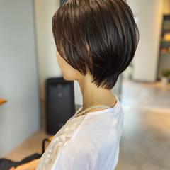 ショートボブ アッシュブラウン アッシュ ナチュラル ヘアスタイルや髪型の写真・画像