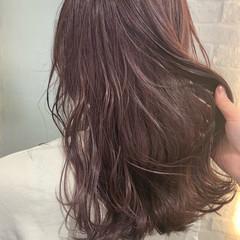 ハイトーンカラー 巻き髪 パープルカラー ロング ヘアスタイルや髪型の写真・画像