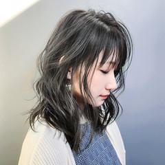 アンニュイほつれヘア パーマ ミディアム 大人かわいい ヘアスタイルや髪型の写真・画像