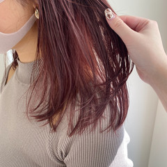 ベリーピンク セミロング ストリート ハイトーンカラー ヘアスタイルや髪型の写真・画像