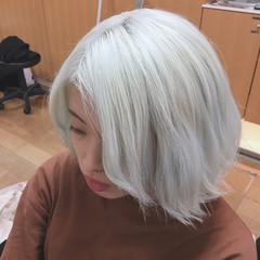 モード セミロング ブリーチ ヘアスタイルや髪型の写真・画像