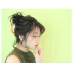 ショート 暗髪 簡単ヘアアレンジ 大人かわいい ヘアスタイルや髪型の写真・画像