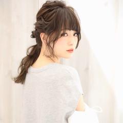 フェミニン ロング ローポニーテール ニュアンス ヘアスタイルや髪型の写真・画像