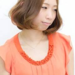 レッド ピンク ストリート ダブルカラー ヘアスタイルや髪型の写真・画像