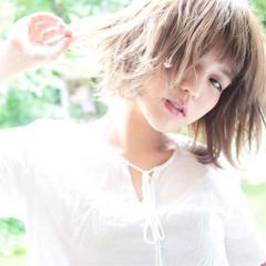 ウェーブ デート リラックス アンニュイ ヘアスタイルや髪型の写真・画像