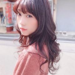 バイオレット 赤髪 ピンク ナチュラル ヘアスタイルや髪型の写真・画像