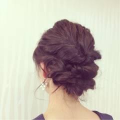 セミロング ヘアアレンジ ねじり 編み込み ヘアスタイルや髪型の写真・画像