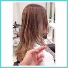 ヌーディベージュ セミロング ブラウンベージュ フェミニン ヘアスタイルや髪型の写真・画像