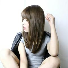 アッシュ ストレート 前髪あり 暗髪 ヘアスタイルや髪型の写真・画像