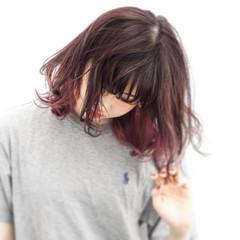レッド ミディアム ボブ インナーカラー ヘアスタイルや髪型の写真・画像