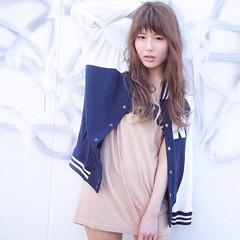 ロング ブラウン ストリート 外国人風 ヘアスタイルや髪型の写真・画像