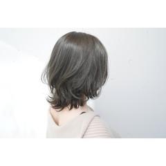 ナチュラル ウルフカット ミディアム グレージュ ヘアスタイルや髪型の写真・画像