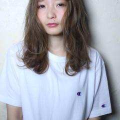 外国人風 前髪あり ブラウン セミロング ヘアスタイルや髪型の写真・画像