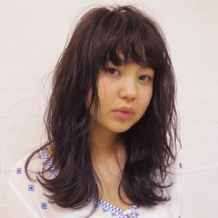 抜け感 ウェットヘア ロング 暗髪 ヘアスタイルや髪型の写真・画像