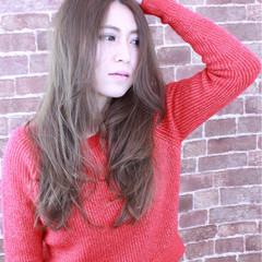 ロング グレージュ ラフ かっこいい ヘアスタイルや髪型の写真・画像
