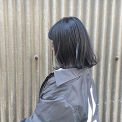 ナチュラル アンニュイ ブルーブラック オフィス ヘアスタイルや髪型の写真・画像