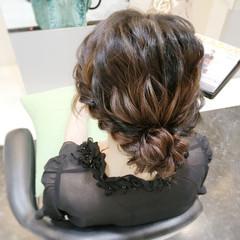 簡単ヘアアレンジ パーティ セミロング 波ウェーブ ヘアスタイルや髪型の写真・画像