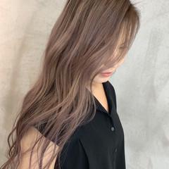 ピンクベージュ フェミニン ラベンダーピンク エクステ ヘアスタイルや髪型の写真・画像