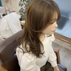 3Dハイライト ベージュ 透明感カラー ロング ヘアスタイルや髪型の写真・画像