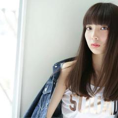ロング モード 前髪パッツン 黒髪 ヘアスタイルや髪型の写真・画像