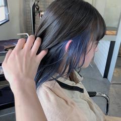 ブルーアッシュ インナーカラー ナチュラルウルフ モード ヘアスタイルや髪型の写真・画像