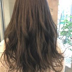 ロング アッシュグレージュ グレージュ 外国人風カラー ヘアスタイルや髪型の写真・画像
