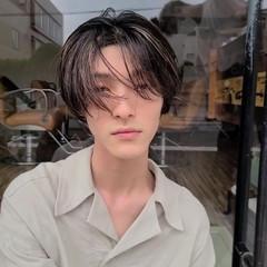 ナチュラル メンズショート センターパート ショート ヘアスタイルや髪型の写真・画像