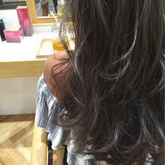 ロング コンサバ アッシュ グラデーションカラー ヘアスタイルや髪型の写真・画像