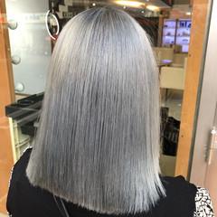 ミディアム グレージュ ミルクティー グレー ヘアスタイルや髪型の写真・画像