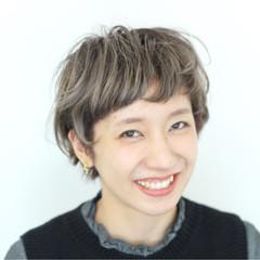 簡単 外国人風 シルバー ストリート ヘアスタイルや髪型の写真・画像