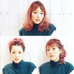 ピンク ヘアアレンジ ミディアム 透明感 ヘアスタイルや髪型の写真・画像