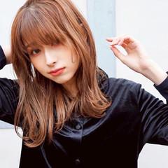 ミディアムレイヤー 大人かわいい 韓国ヘア ゆるふわ ヘアスタイルや髪型の写真・画像