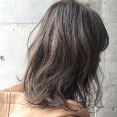 アッシュ グラデーションカラー ハイライト ストリート ヘアスタイルや髪型の写真・画像
