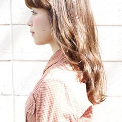 ガーリー ハイライト ゆるふわ セミロング ヘアスタイルや髪型の写真・画像