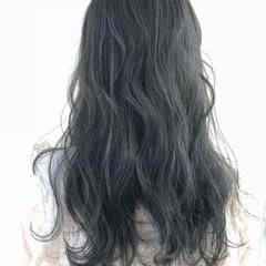 アッシュグレージュ 透明感カラー ナチュラル ダークグレー ヘアスタイルや髪型の写真・画像