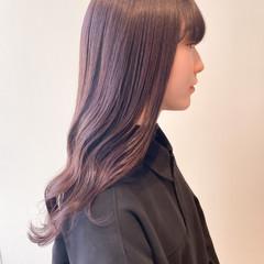ラベンダーピンク ブリーチなし セミロング 切りっぱなしボブ ヘアスタイルや髪型の写真・画像