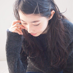 セミロング 大人かわいい ウェットヘア 黒髪 ヘアスタイルや髪型の写真・画像