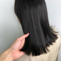 セミロング グレージュ 暗髪 ブリーチなし ヘアスタイルや髪型の写真・画像