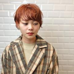 オレンジ ショートヘア オレンジベージュ ショートボブ ヘアスタイルや髪型の写真・画像