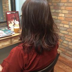 ミディアム アプリコットオレンジ レッド グラデーションカラー ヘアスタイルや髪型の写真・画像