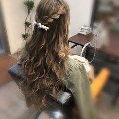 フェミニン 編み込み ヘアアレンジ 編み込みヘア ヘアスタイルや髪型の写真・画像