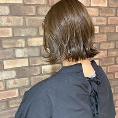外ハネ 透明感 イルミナカラー ショート ヘアスタイルや髪型の写真・画像
