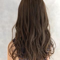 セミロング 圧倒的透明感 アッシュグレージュ 大人ハイライト ヘアスタイルや髪型の写真・画像