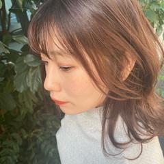 秋冬スタイル ピンクアッシュ ピンクベージュ ミディアム ヘアスタイルや髪型の写真・画像