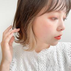 小顔ヘア イヤリングカラー レイヤーカット ミディアム ヘアスタイルや髪型の写真・画像